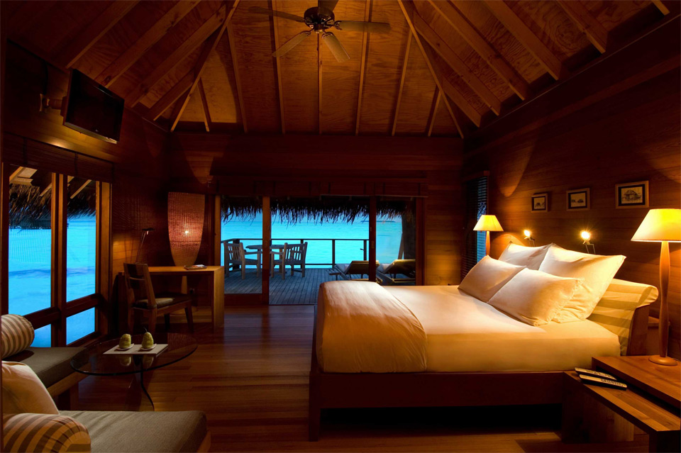 inside the maldive villa
