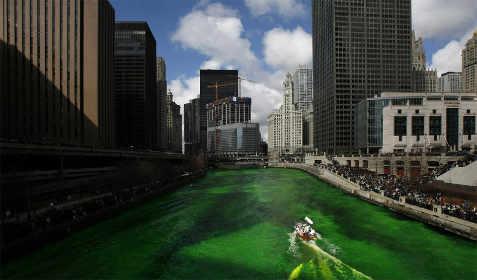 chicago at saint patrick`s day
