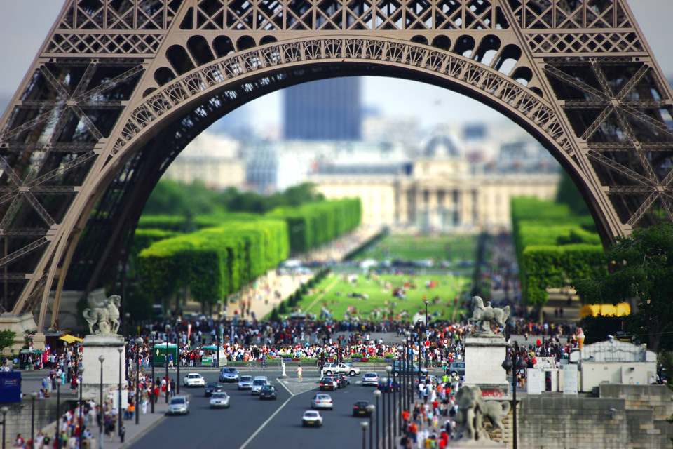eiffel tower tilt shift