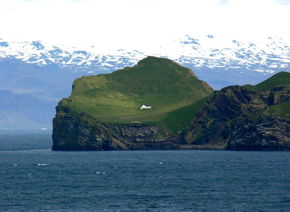 the loneliest house in the world photo | one big photo