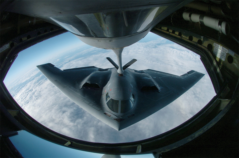refueling the-b-2 spirit
