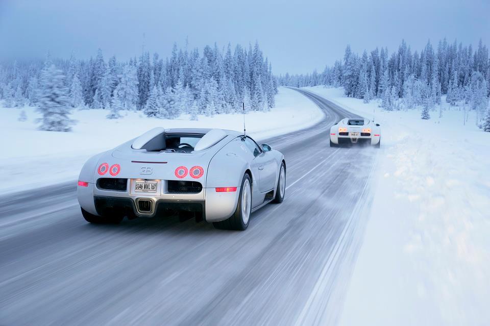 bugatti veyron at winter boulevards