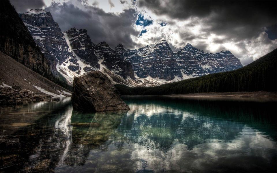 moraine lake, national park alberta, canada