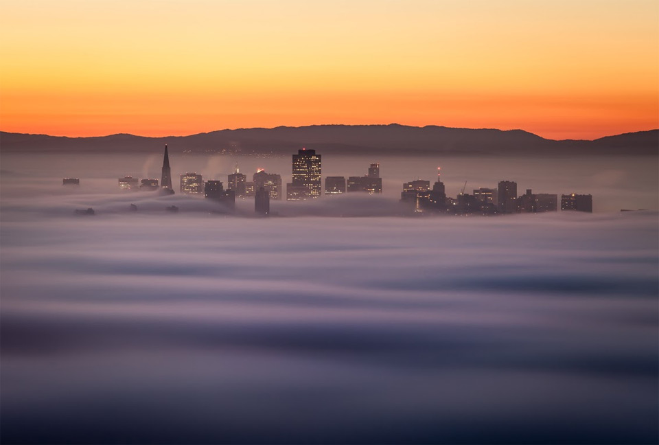 san francisco downtown in fog
