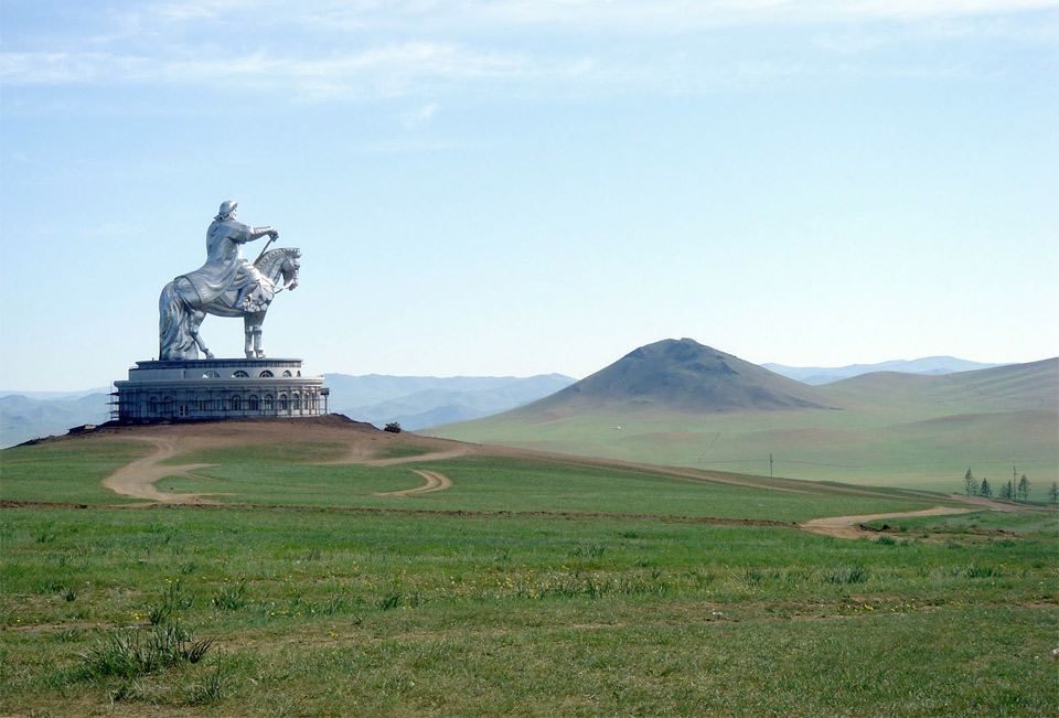 giant ghinggis khaan statue, mongolia