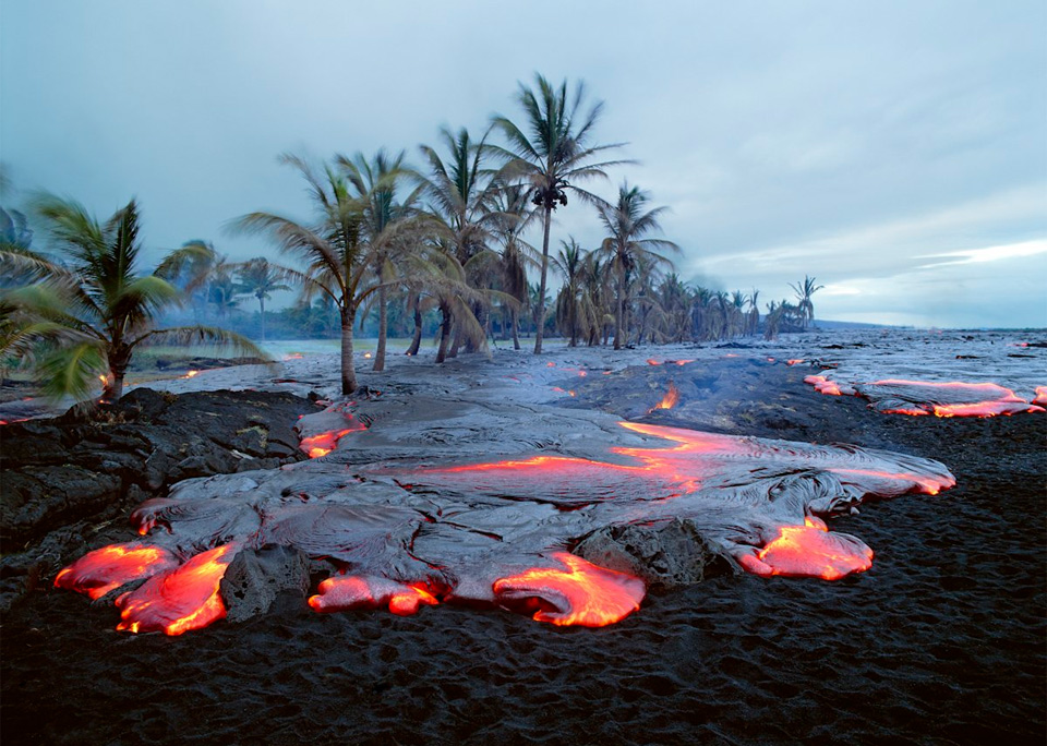 kamoamoa volcano beach, hawaii