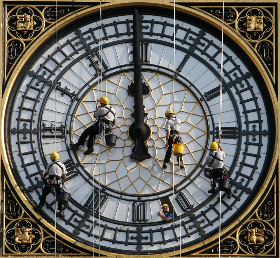 cleaning big ben clock