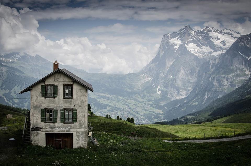 kleine scheidegg mountain pass, switzerland