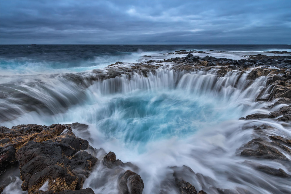 long exposure of blue hole, canary island