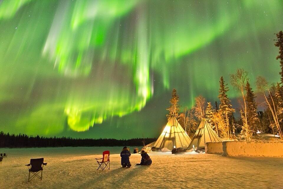 night in yellowknife, canada