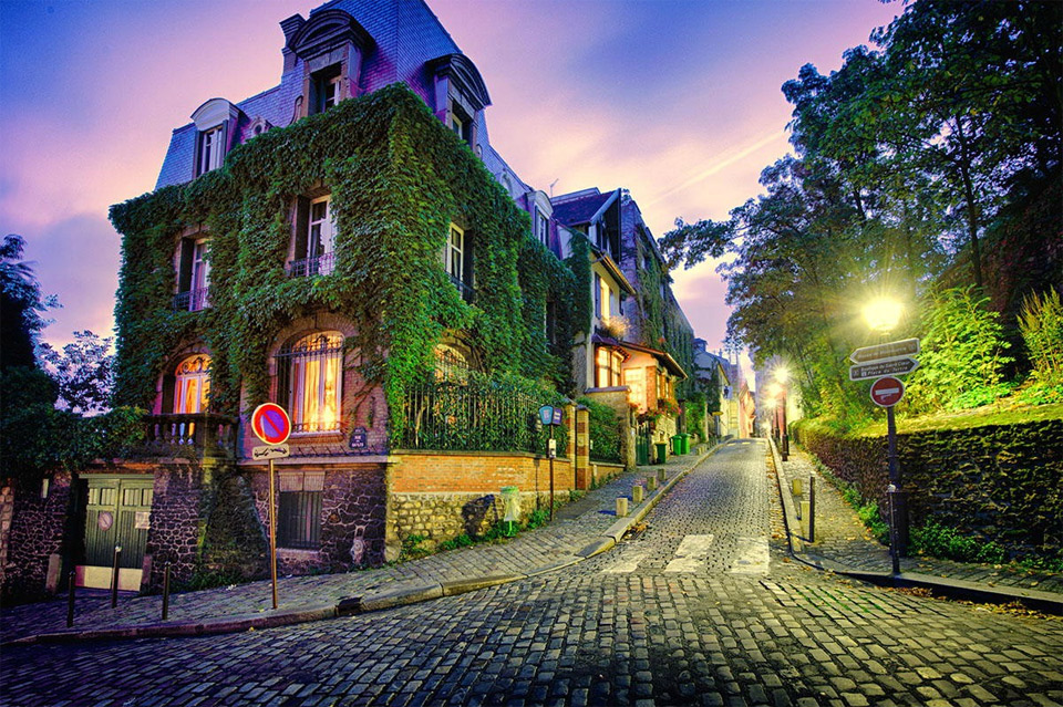 streets of paris by night