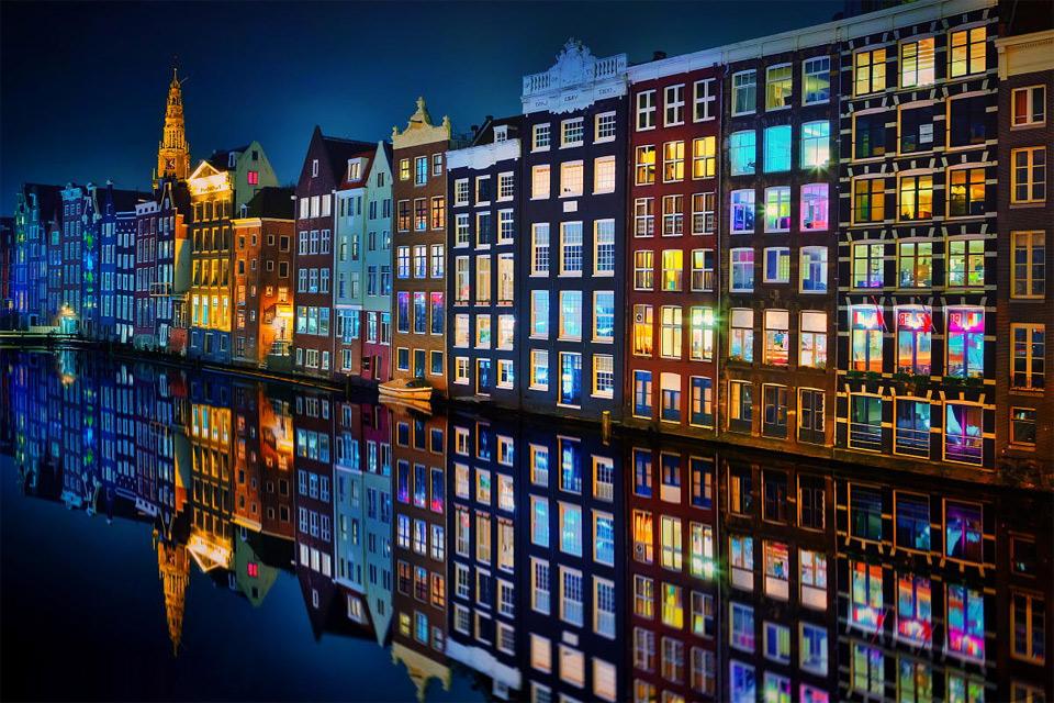 amsterdam at night