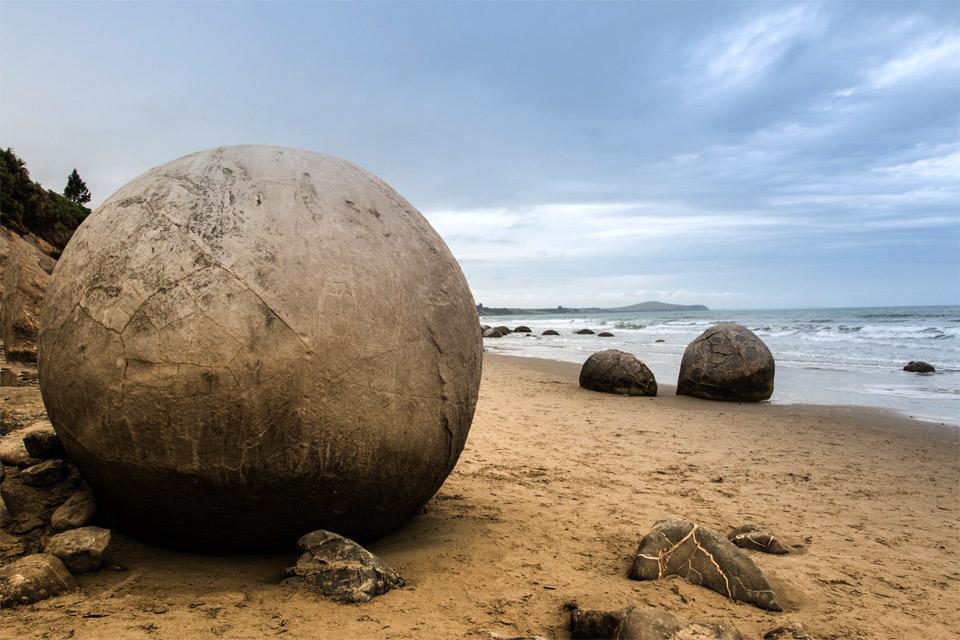 sphere rocks, new zealand