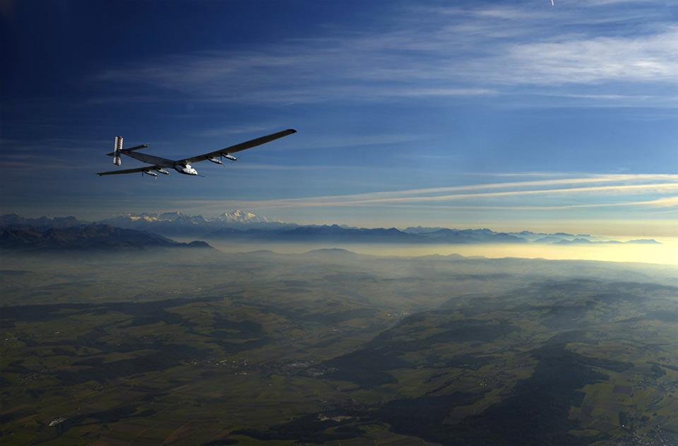 solar-Powered aircraft test flight