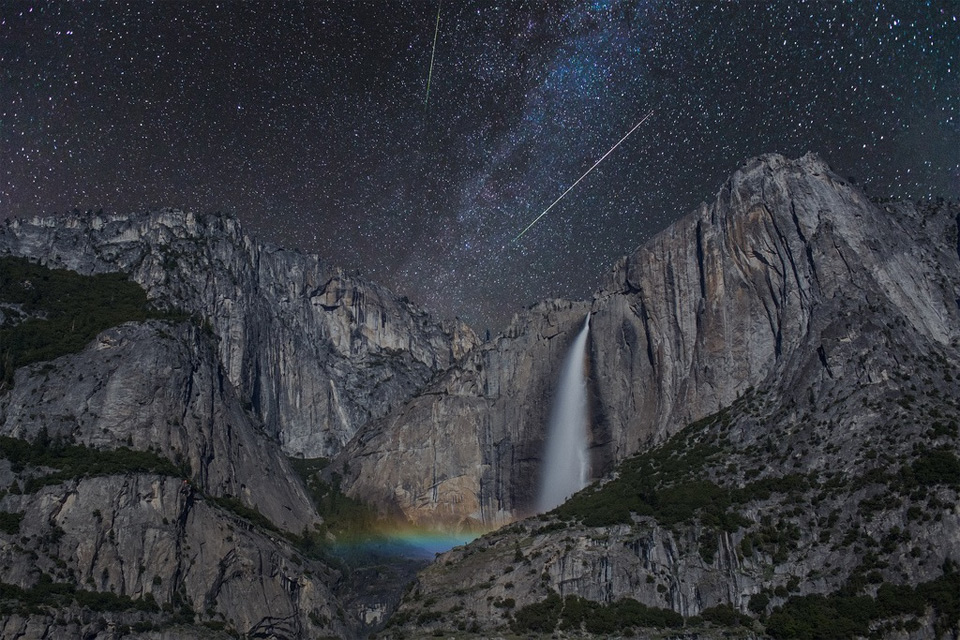 night sky over yosemite national park