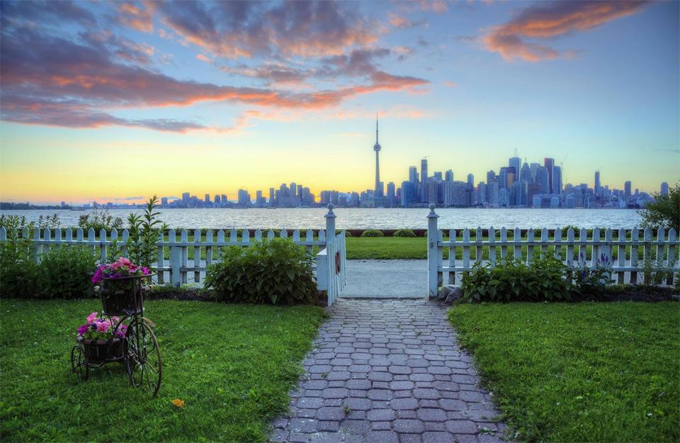 Perfect Toronto Skyline View From Backyard