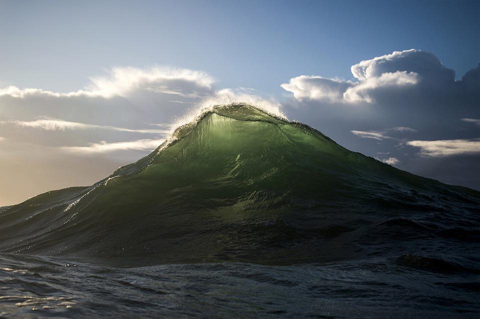 amazing-wave-1