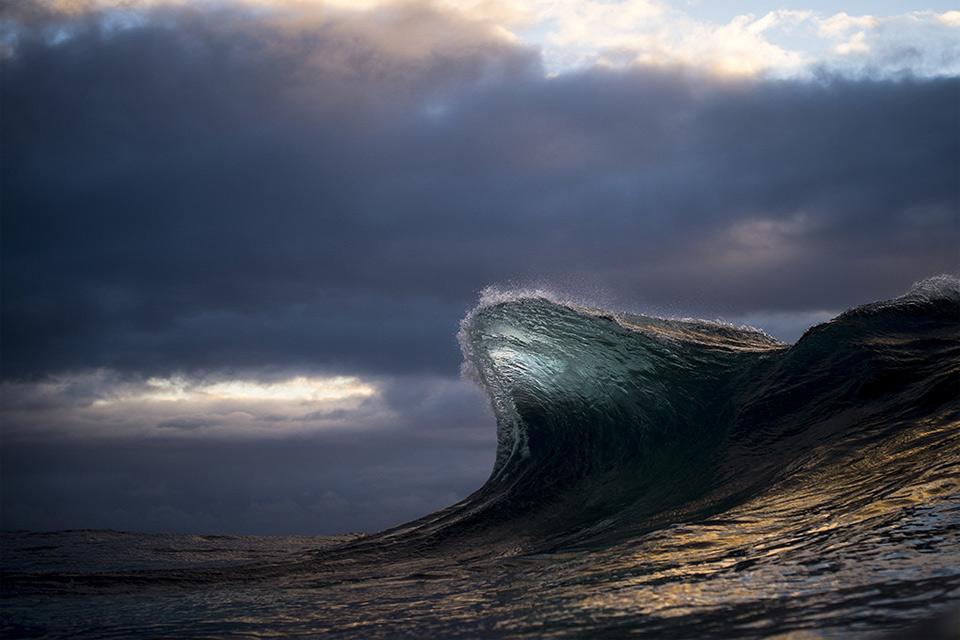 amazing-wave-11