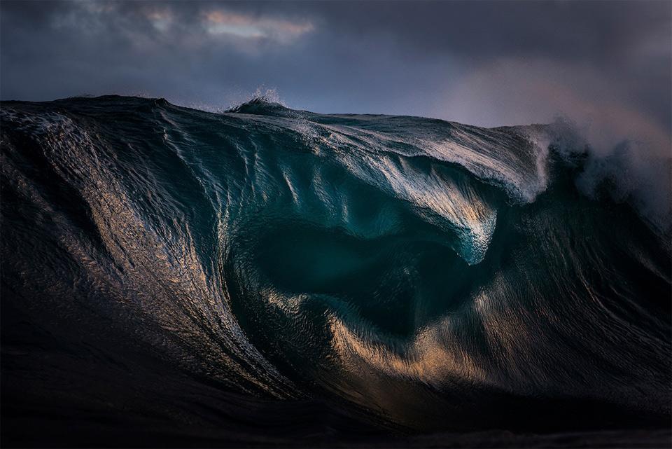 amazing-wave-12
