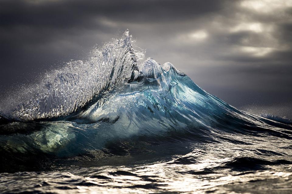 amazing-wave-2