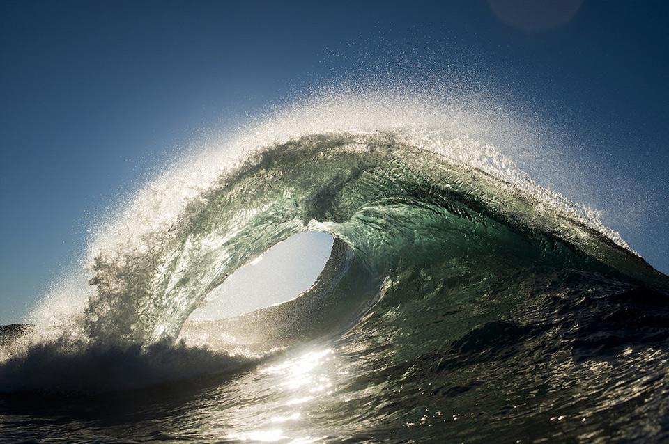 amazing-wave-3