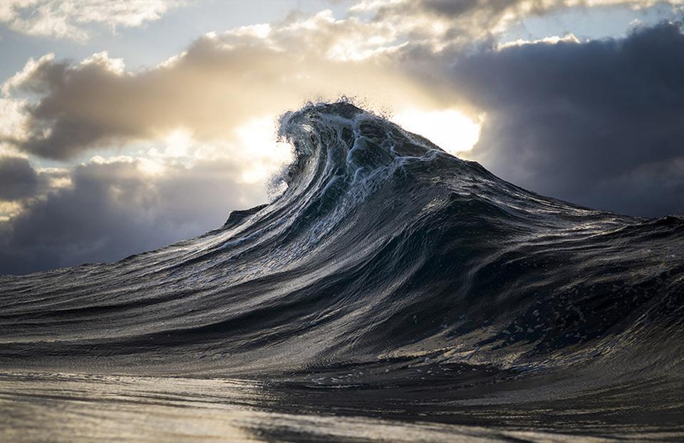 amazing-wave-4