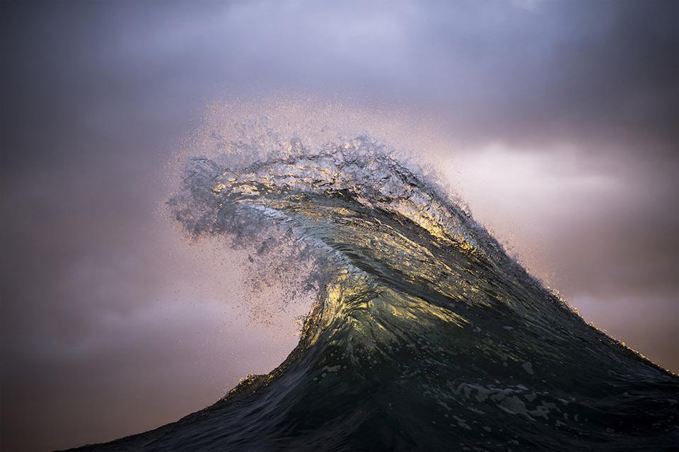 amazing-wave-5