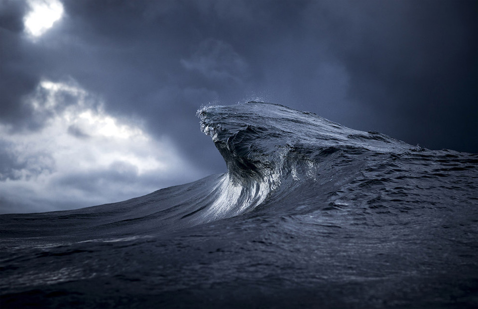 amazing-wave-9