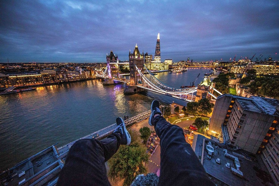 Rooftopping Over London 2