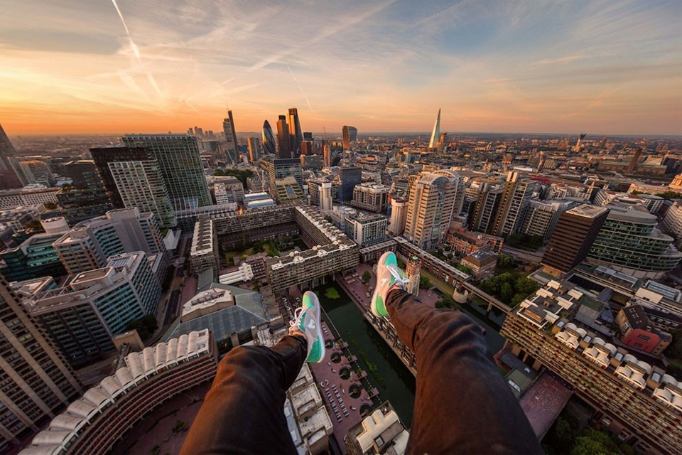 Rooftopping Over London