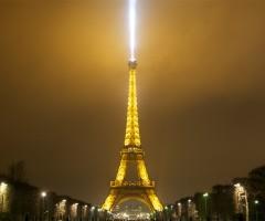 eiffel tower spot light