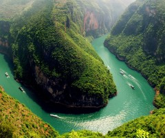 bend in the yangtze river, china