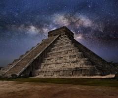 el castillo pyramid at night, mexico
