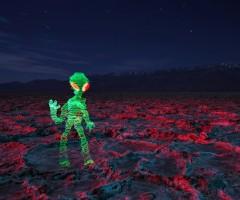 alien light graffiti