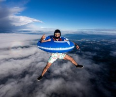 sky diving to the beach