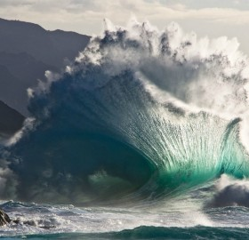 amazing wave splash