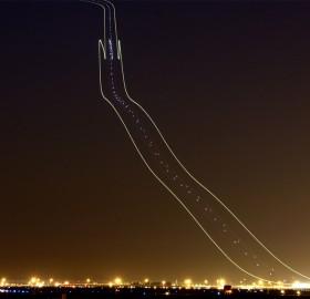 plane light trails 2