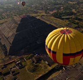 balloon over sun pyramid, mexico
