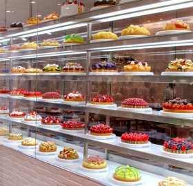 cake store in japan