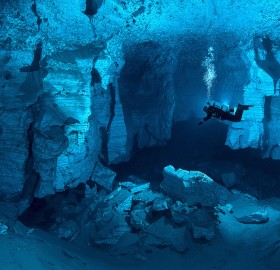 the world's largest underwater cave, russia