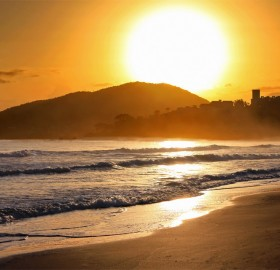sunrise bonbinhas beach brazil