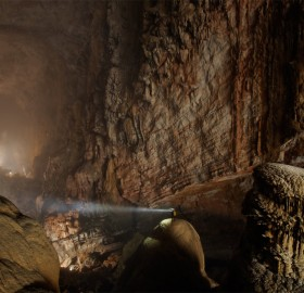 world`s largest cave passage, vietnam