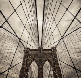 walking through brooklyn bridge