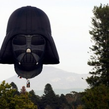 hot air balloon shaped like darth vader`s head