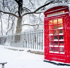 snowy day in london