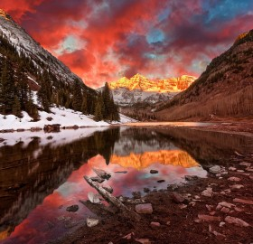 sunrise over maroon bells, colorado