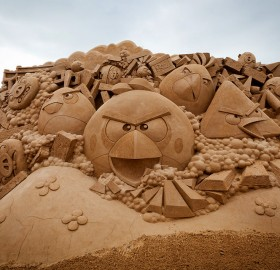 cool angry birds sand sculpture