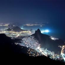 rio de janeiro largest favela in night
