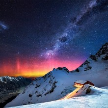 milky way over new zealand mountains