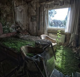 Abandoned Hotel Room, Columbia